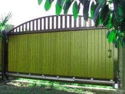 Въездные ворота для загородного коттеджа или частного дома - виды и преимущества